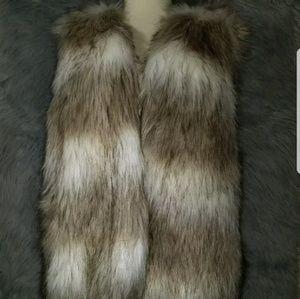 Stitch Fix Buster Faux Fur Vest L NWT